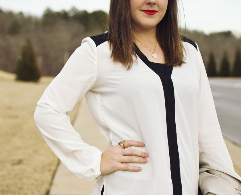 How To Wear A Black And White Blouse 113
