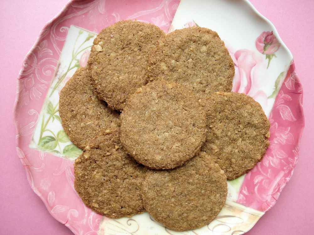 Cinnamon Almond Butter Cookies 001.jpg