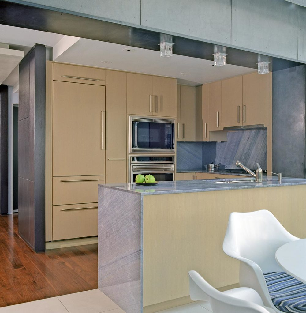 downtownduplex_kitchen2.jpg