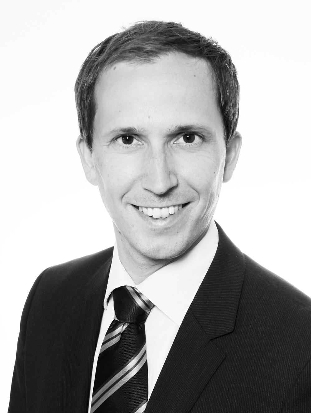 <b>Adrian Ulrich</b> - au