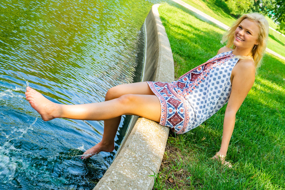 2018.08.26 Hannah Condren Sr. Photos-041edit.jpg