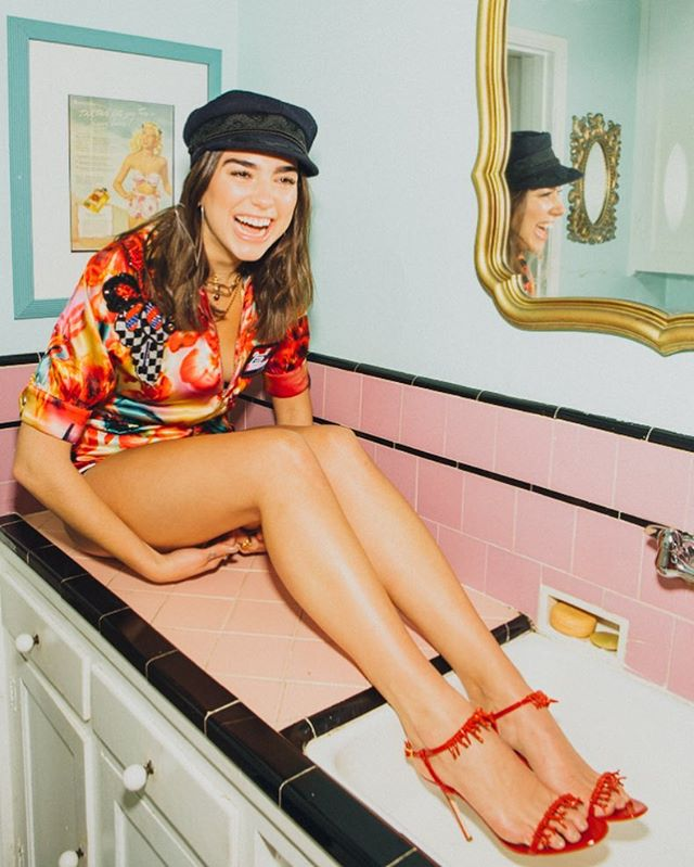 The only pop star chill enough to put her feet in the kitchen sink for a shot ❤️ @dualipa Styled by @lorenzoposocco Hair by @samiknighthair Makeup by @francescabrazzo @refinery29 @r29fashion @joanna_bomb @tobykauf @papi.prada