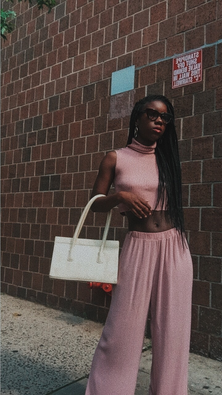 Millennial Pink instagram outfits