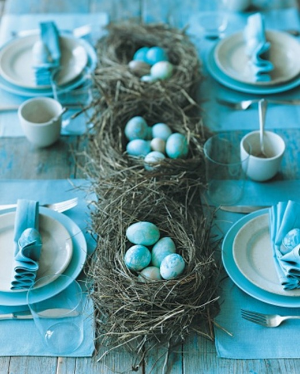 blue-eggs-table-decor-martha-stewart_thumb.jpg