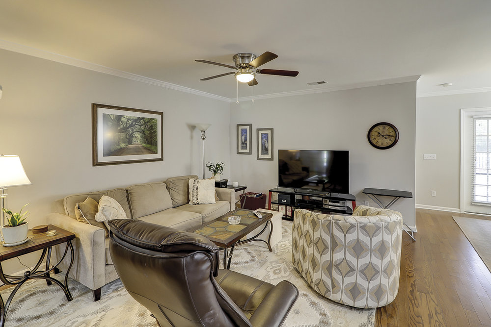 119 Oakesdale Dr_Bluff_0012.jpg