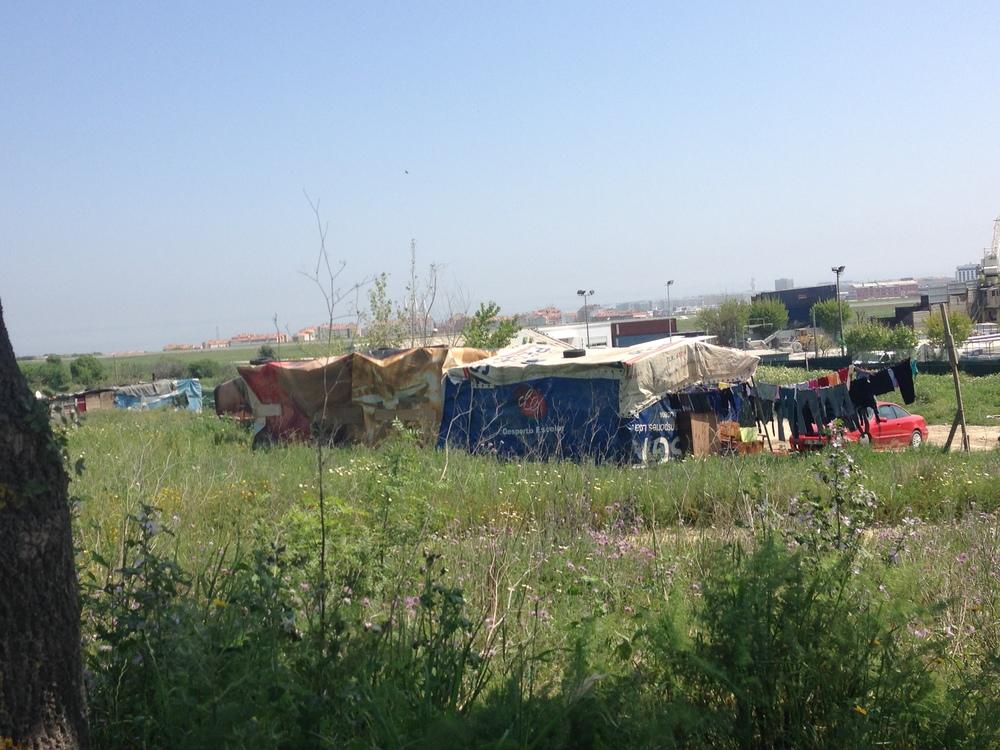 Near 'Bairro de Angola' (04/2014)