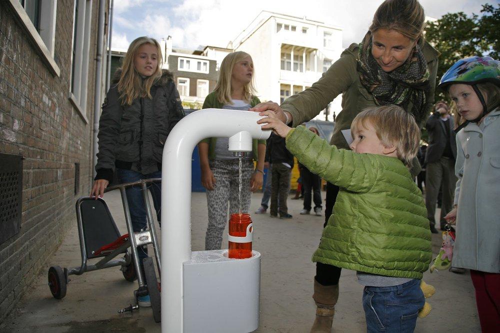 Agua pura para escuelas -