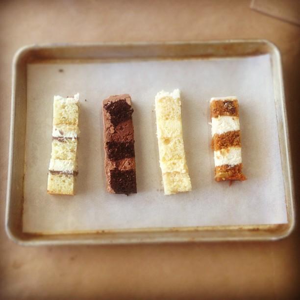 And free cake sampler…pistachio, chocolate ganache, vanilla, carrot cake.😋 #friendlyatmosphere (at Community)
