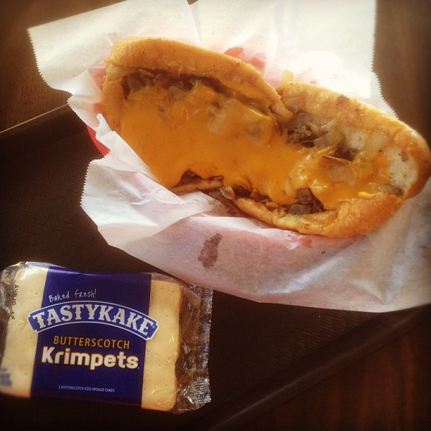 Butterscotch krimpets with a side of cheesesteak…and cheez whiz. 😋 (at Boo's Philly Cheesesteaks and Hoagies)