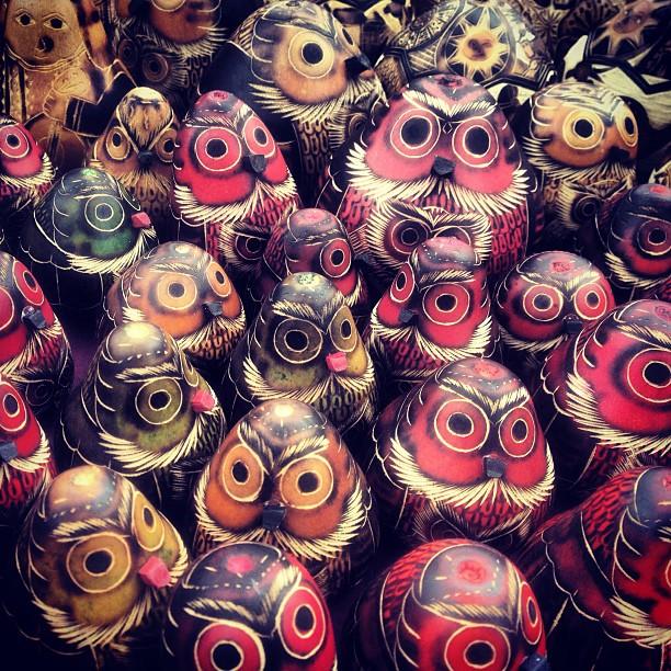 Hand carved owls. #cuscoperu (at Plaza de San Blas)