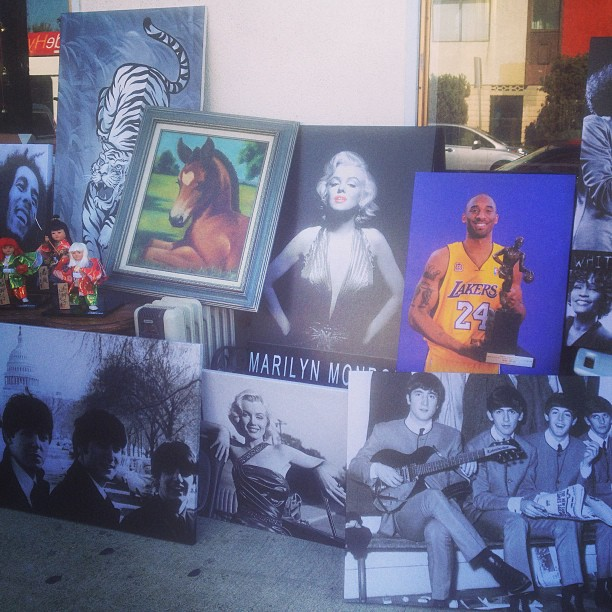 Kobe's vintage? 😄 #onlyinlongbeach (at Vintage Collective)