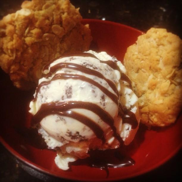 Oatmeal coconut chocolate chip. #midnightmoo #sohealthy #hiddenmickey  (at Mia casa)