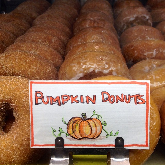 Tis the season to have  pumpkin everything. 😋 #greatbakeshop (at S&S Donuts & Bake Shop)