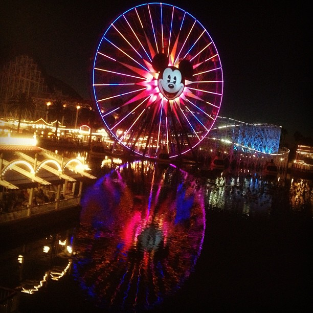 Waiting for World of Color. #reflection (at Paradise Pier)