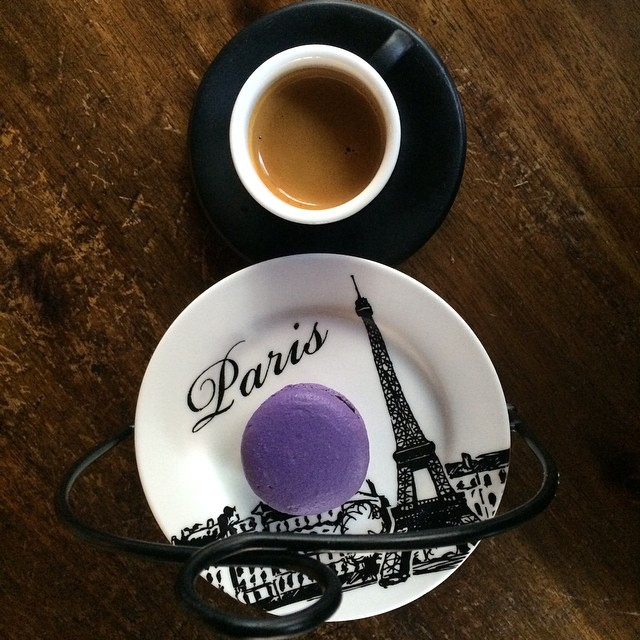 I love espresso. Happy national coffee day! #blueberrymacaroon  #intelligentsiacoffee #fancypresentation #no8 #infinity #twinlensreflex #bw #purple #lovewood #ihaventbeentoparisyet (at Caffé Concerto)