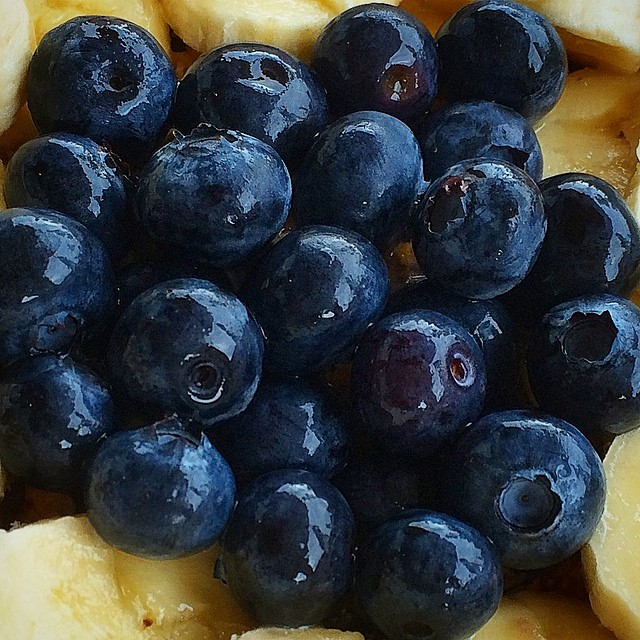 Blueberries and bananas. #72014 #cravings