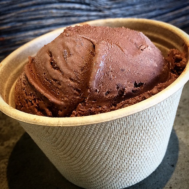 Thank you @threetwinsicecream for my sweet birthday treat! A little storm night made my day. Looking forward to future ice cream endeavors =o) #icecream  #stormynight #darkchocolate #darkchocolateshavings #cocoa #antioxidant #santamonica #siamakshafa #sustainable #cup #lovewood #threetwins #thankyou #february2 #groundhogday #32 #nofilter (at Three Twins Ice Cream - Santa Monica)