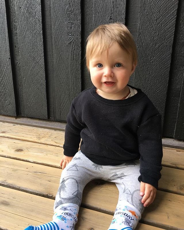 You have to make Qute Sweaters when your friends make cute kids 😍 . #handmadeclothing #handmade #kidsclothes #kidsclothing #kids #baby #clothes #cotton #madeincanada #madeonsaltspring #sweater #ethicalfashion #slowfashion #sustainablefashion #kidsfashion