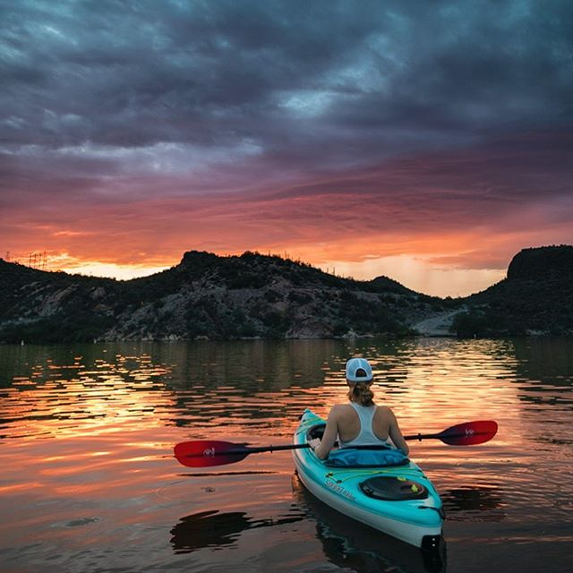 What adventures do you have planned for the weekend? #igarizona #igsouthwest #arizonasky #arizonasunset #arizonasunsets #kayakingadventures #kayakadventure #paddleaz #arizonasunsetsarethebest #optoutside #sunsetreflection #eliekayaks #wernerpaddles #canyonlake #alwayschooseadventures #sunsetpaddle #sunsetkayaking #kayaklife #sunsetonthelake #adventureseekers #goexplore #adventurephotography #beautyofnature