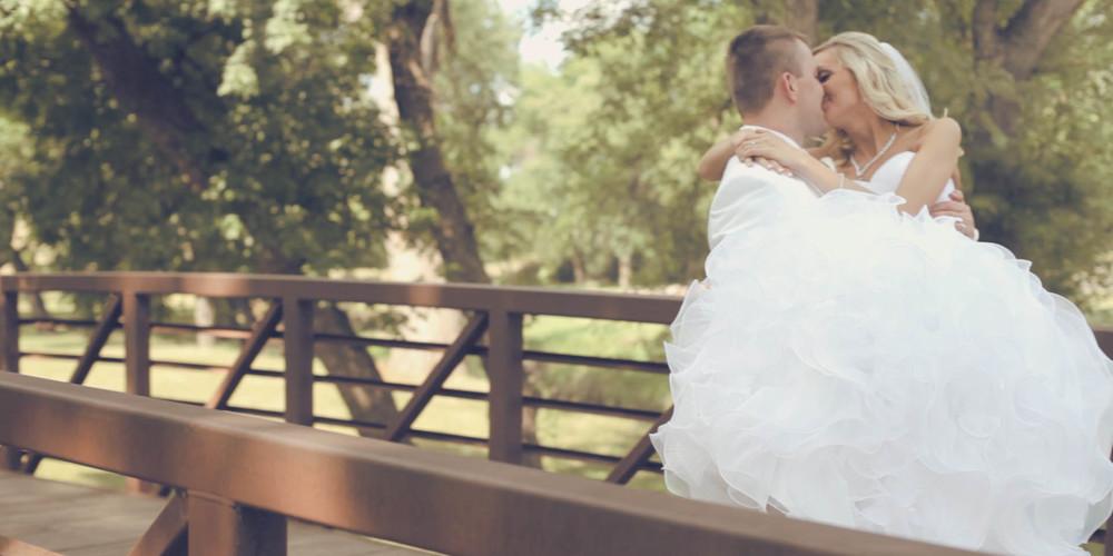 wedding story.00_09_26_01.Still013.jpg