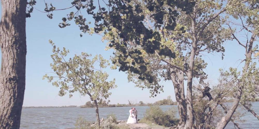 eric&lindsey wedding story.mp4-still00005.jpg
