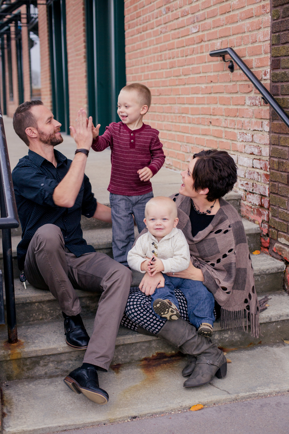the jonas family: jason&nicole w/ finley(3)&Emmett(1)