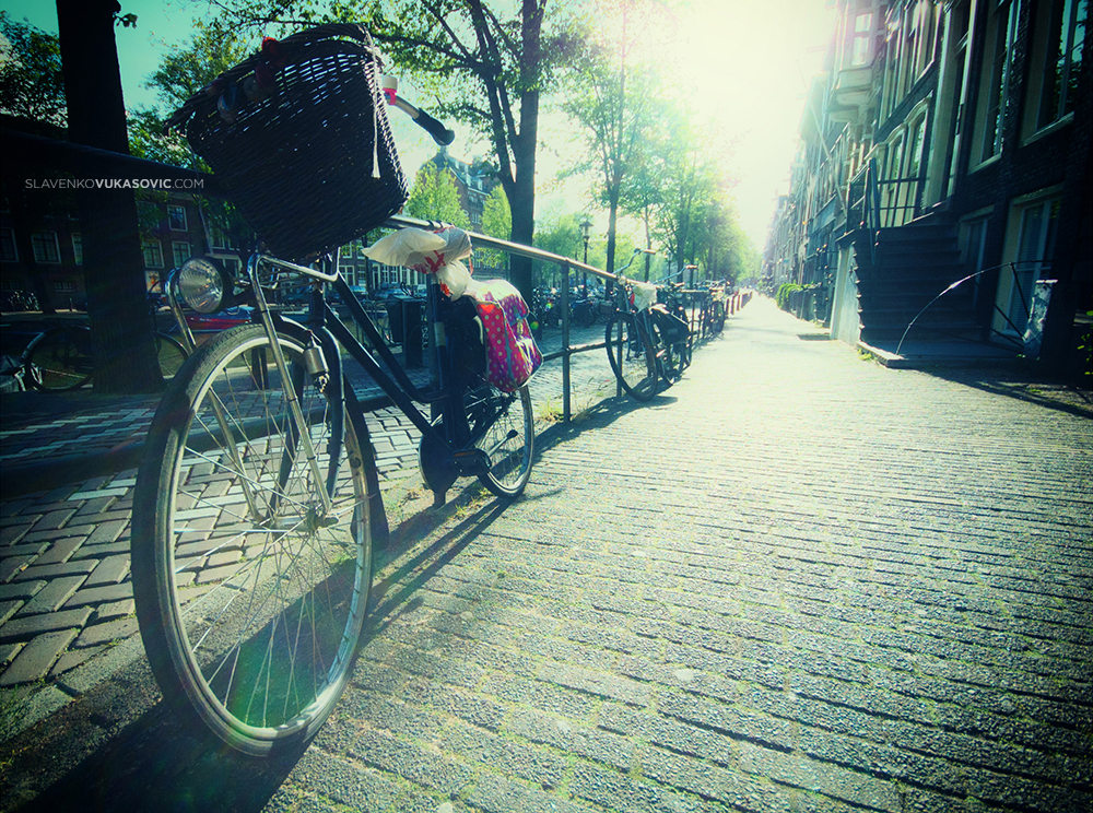 """"""" Život je kao bicikl desetobrzinac. Većina nas ima brzine koje nikada ne koristimo."""" - Čarls M. Šulc"""