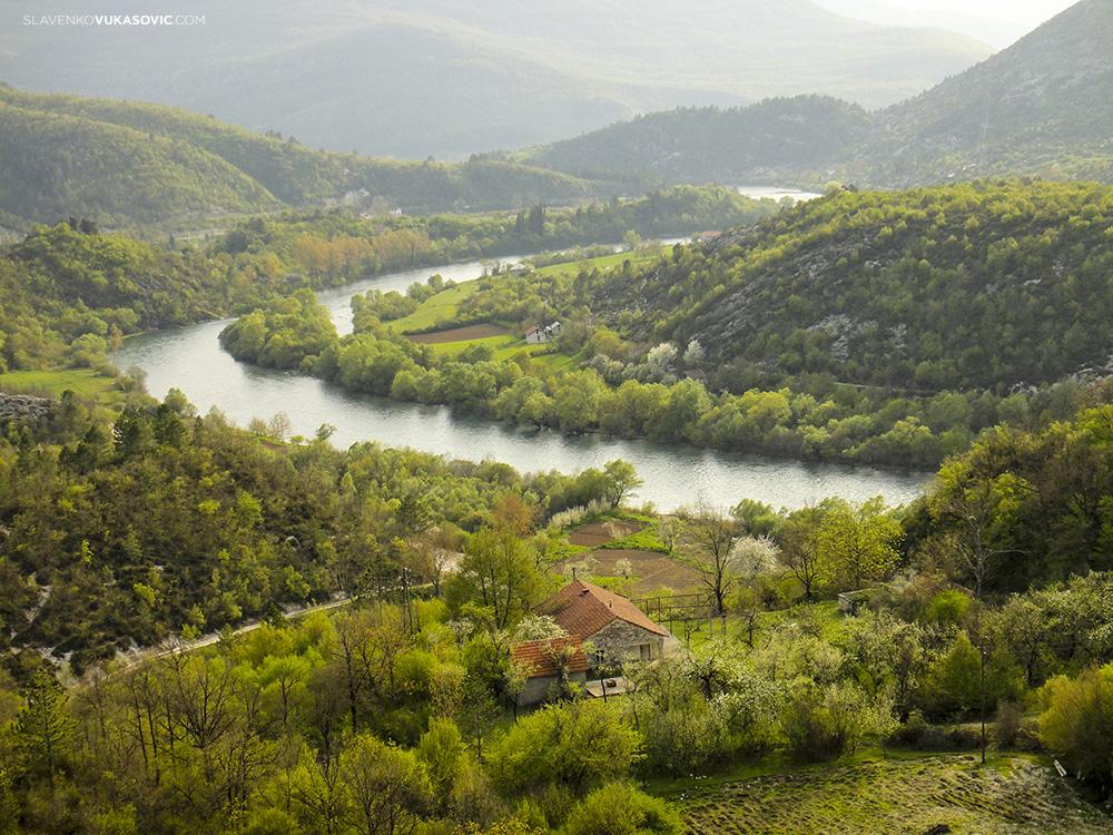 Usce village -river-Trebisnjica.jpg