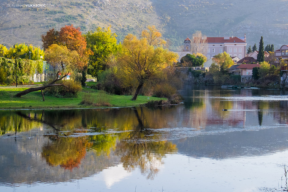 Autumn in Trebinje - Trebisnjica river.jpg