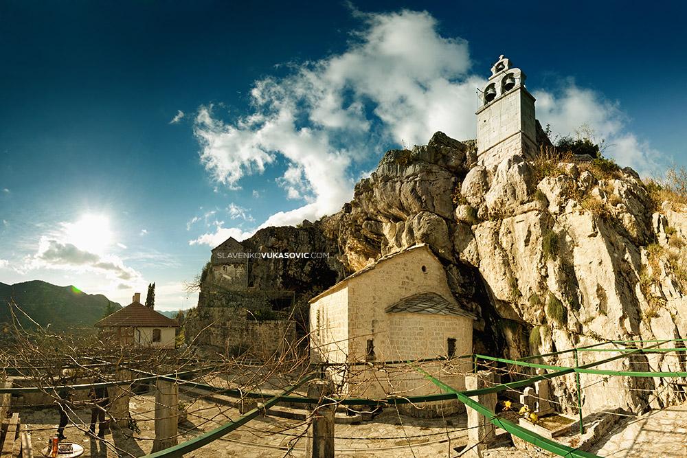 Manastir Zavala.jpg