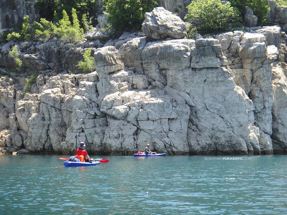 Bilecko jezero kajaking.jpg