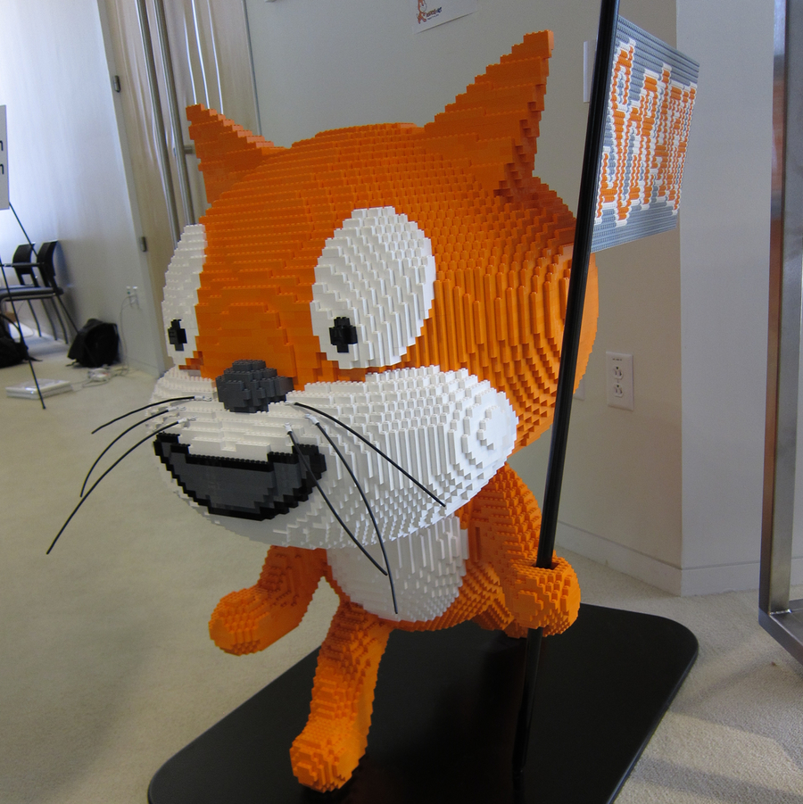 LEGO Scratch Cat