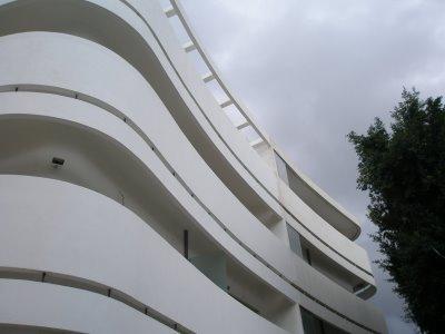 Bauhouse-building.jpg