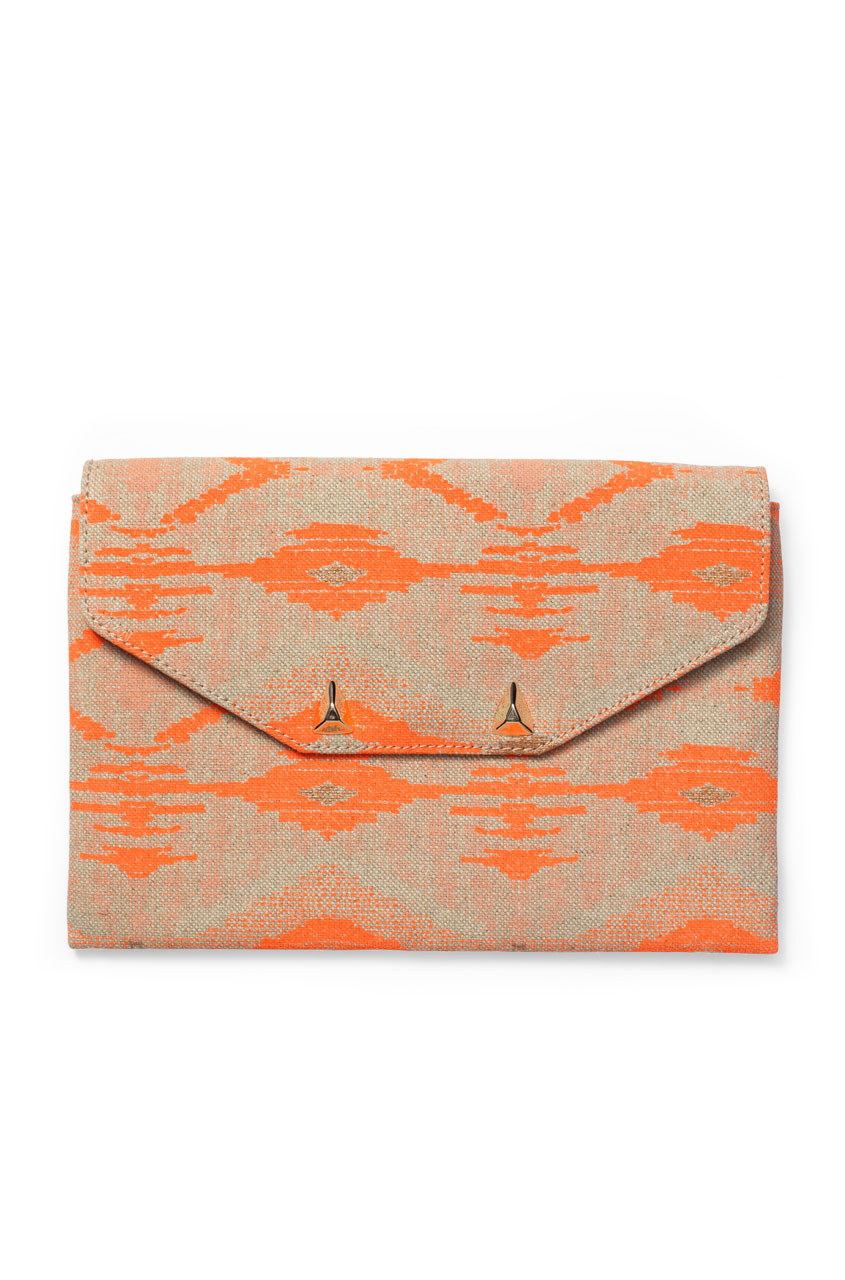 sg141azc_city-slim-clutch-aztec-coral_main.jpg