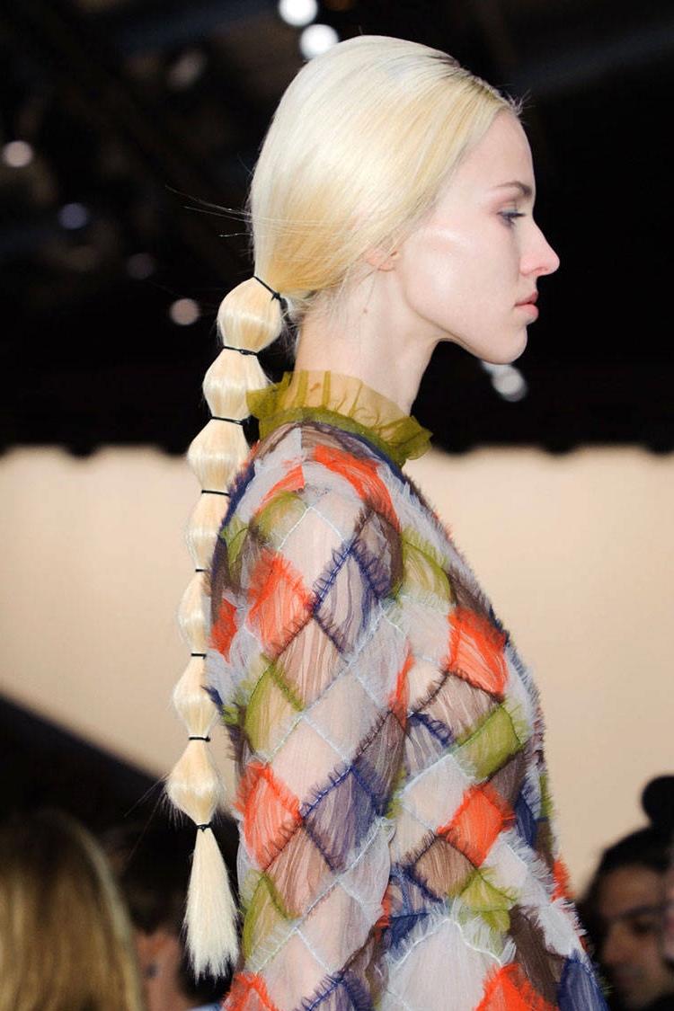 hbz-fw2014-hair-trends-ponytail-04-Valentino-clp-RF14-1751-lg.jpg