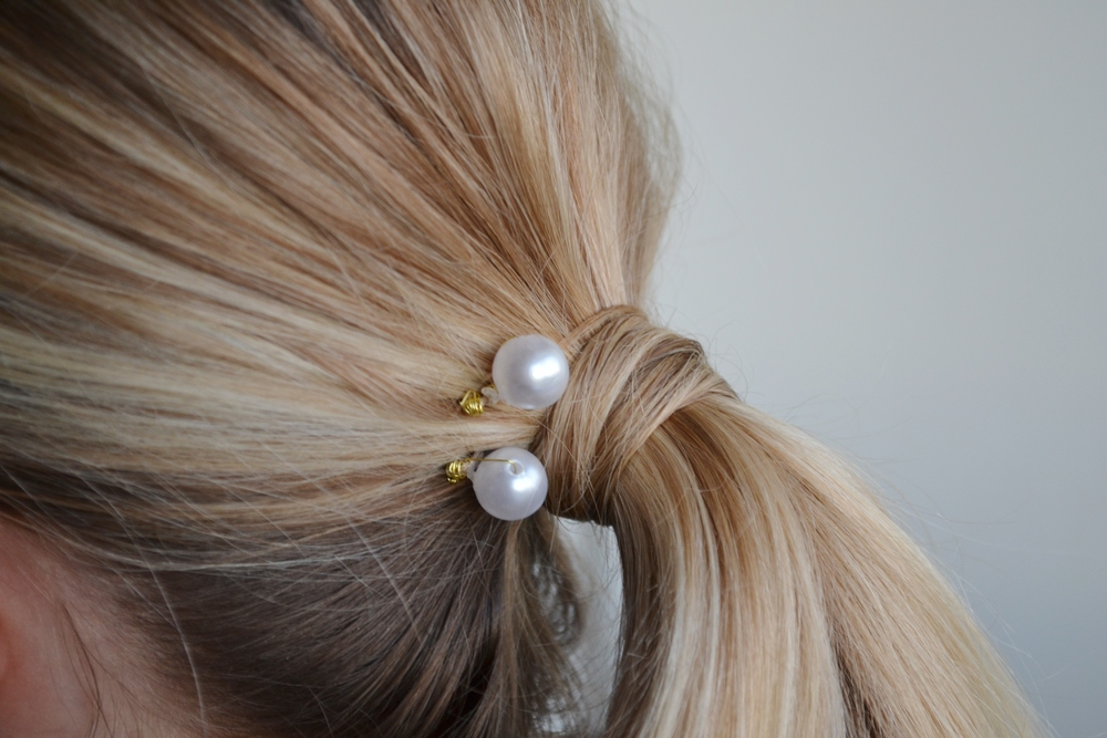 Pearl Chanel Inspired Bobby Pin DIY.JPG