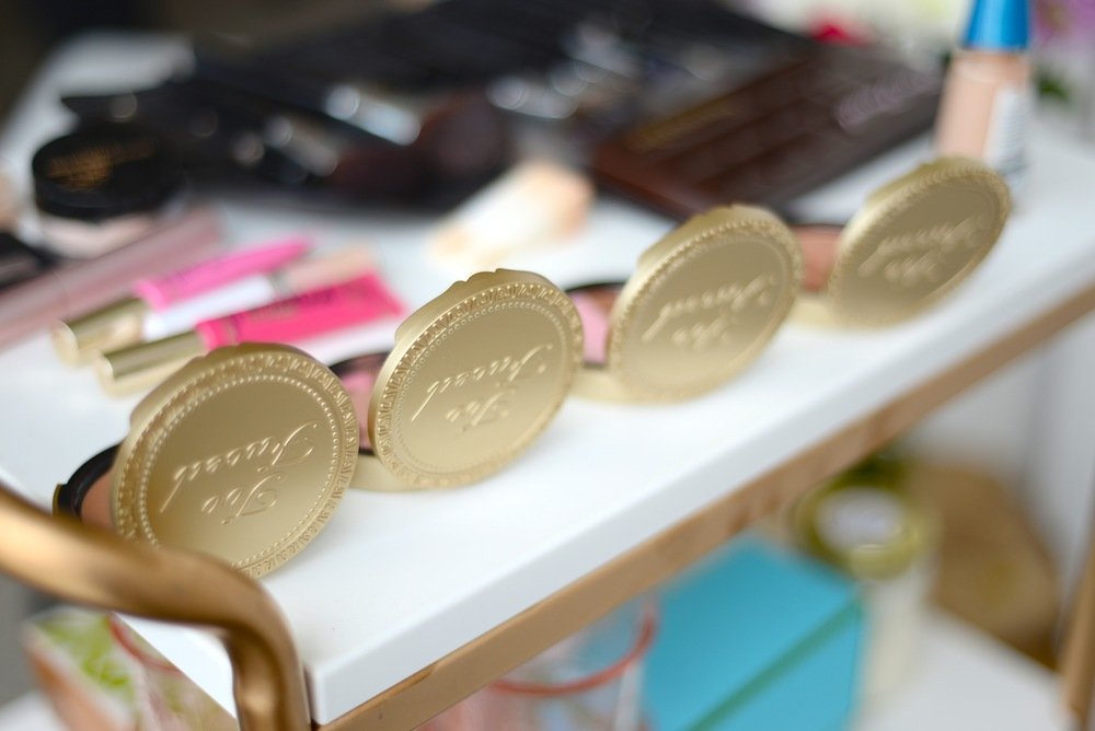 too faced bronzer wardrobe, beauty blog, pinterest, pinterest beauty, beauty tutorial, beauty how to, edmonton beauty,  too faced beauty, sephora, too faced cosmetics, how to contour, foundation tips, better than sex, chocolate bronzer, dark chocolate palette