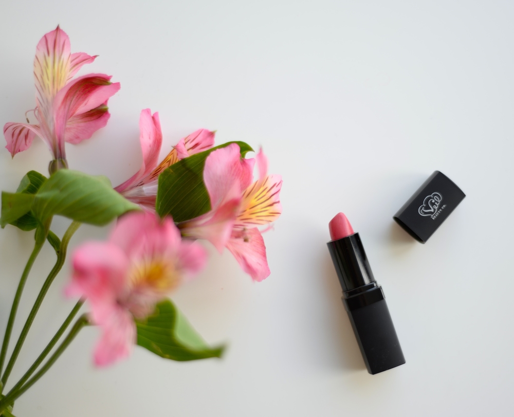 a veil beauty co lipstick.JPG