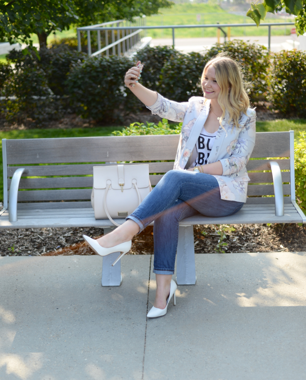white pumps, selfie, blogger, fashion blog