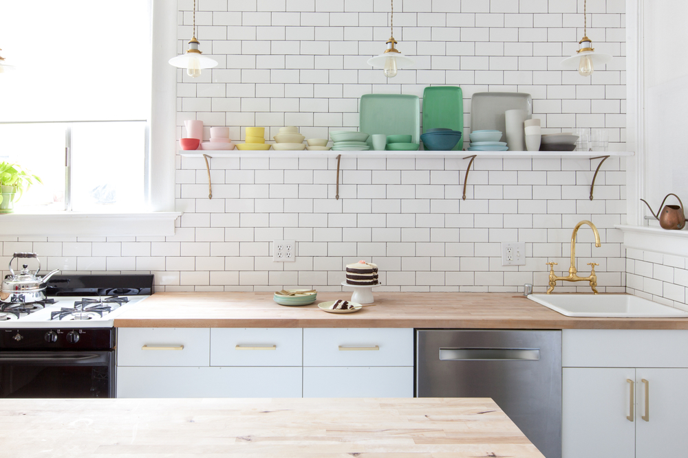white kitchen floating shelves