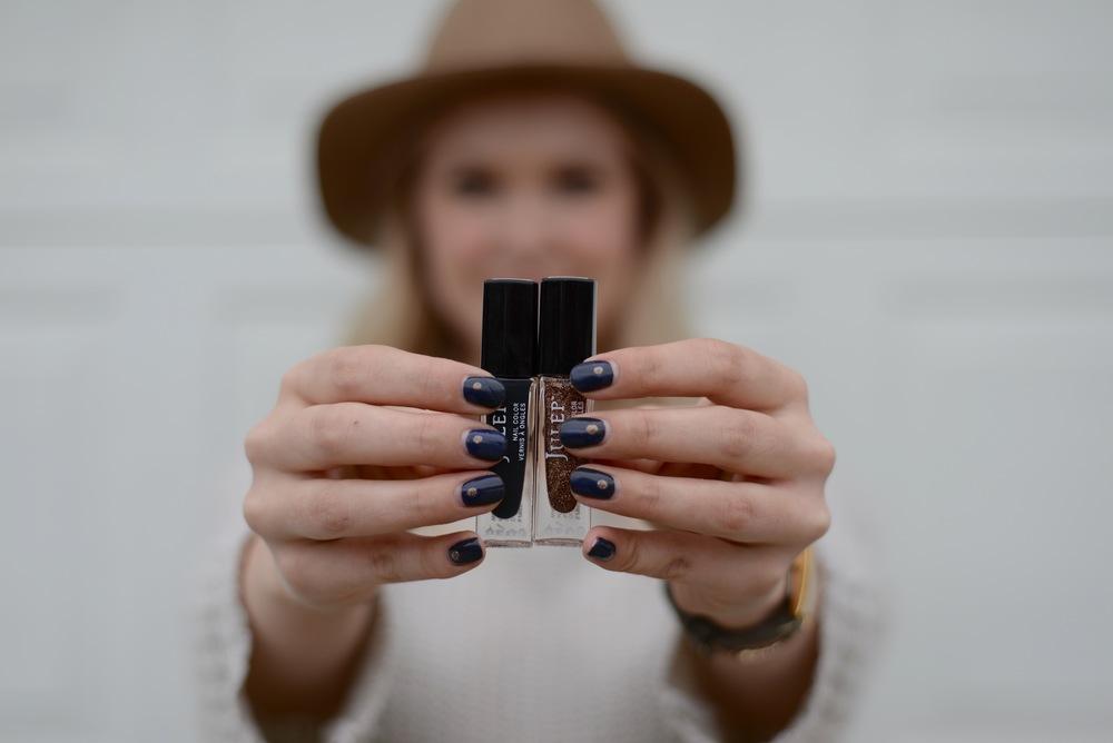 minimal manicure