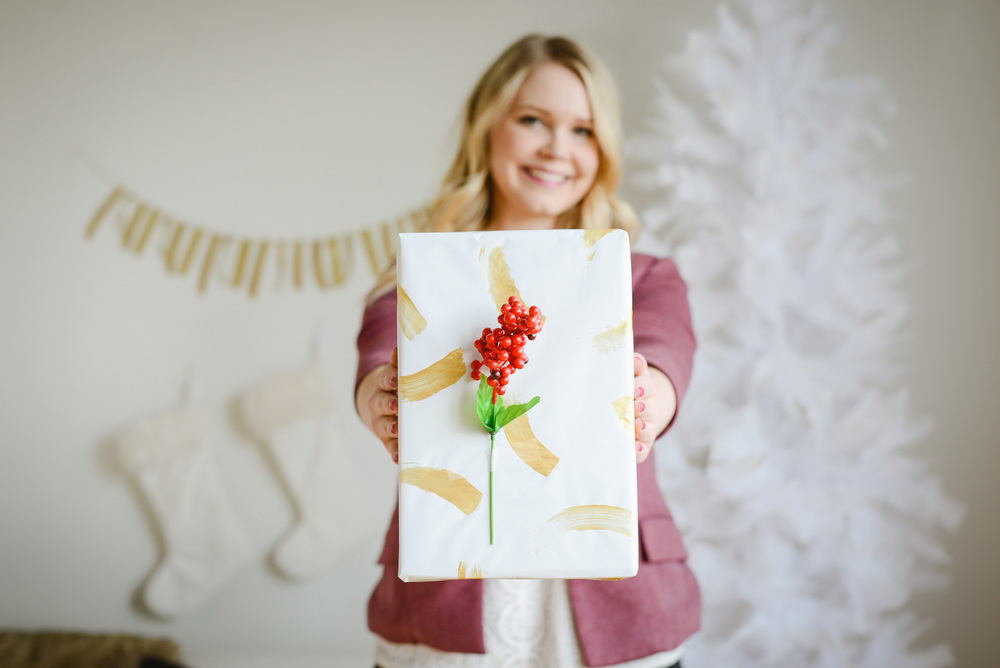 gold gift wrap DIY