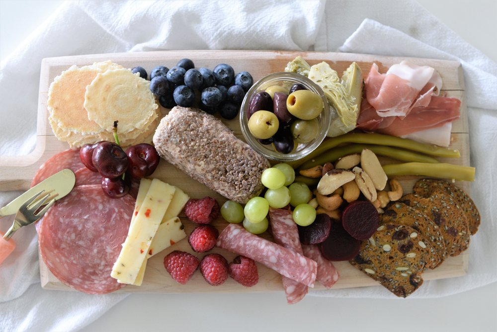 what goes on an antipasto platter
