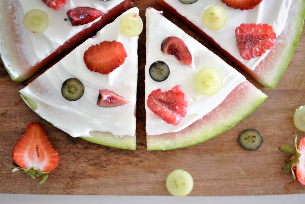 watermelon dessert pizza