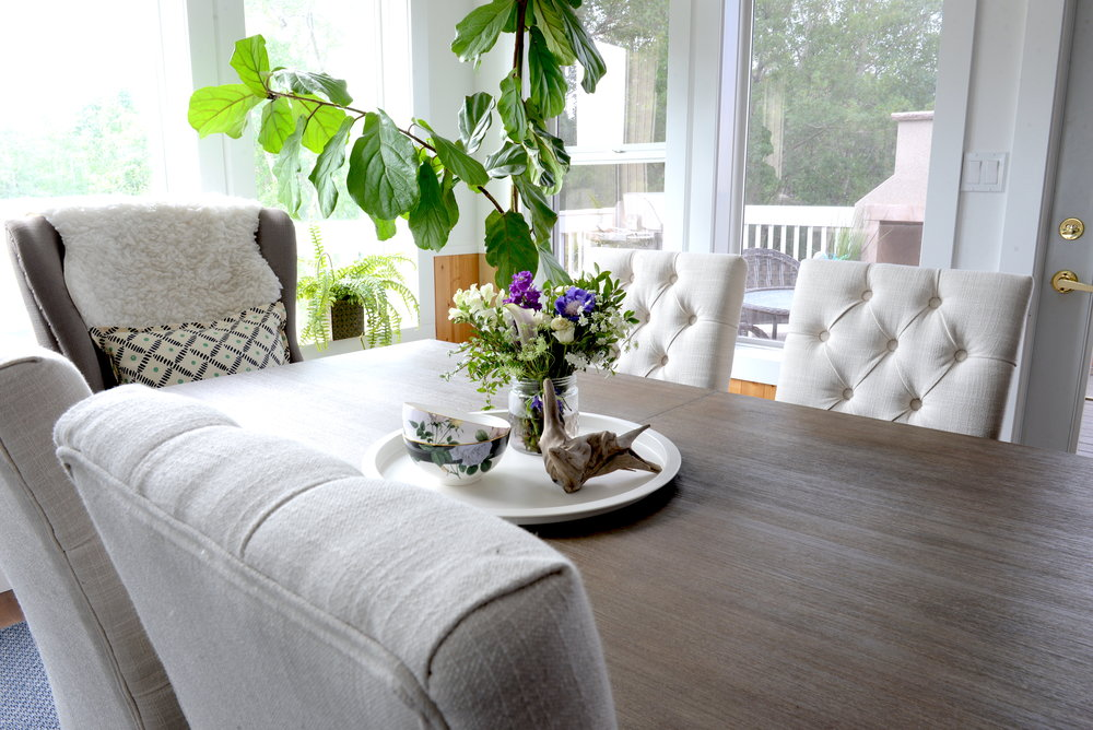 how to decorate a dining table