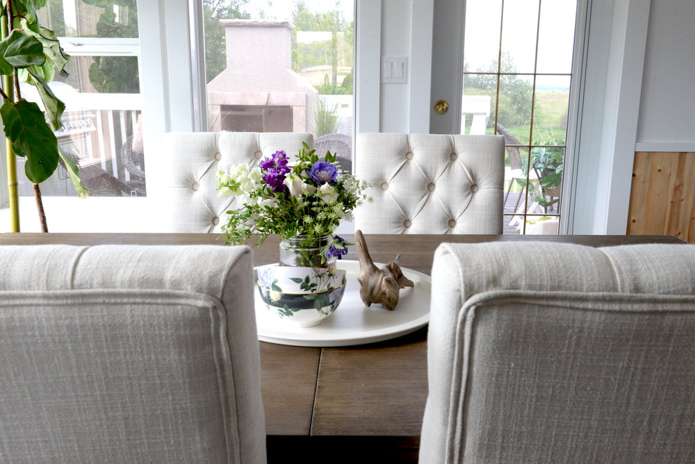 how to style a dining table