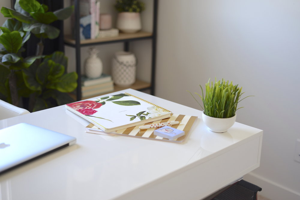 modern feminine office
