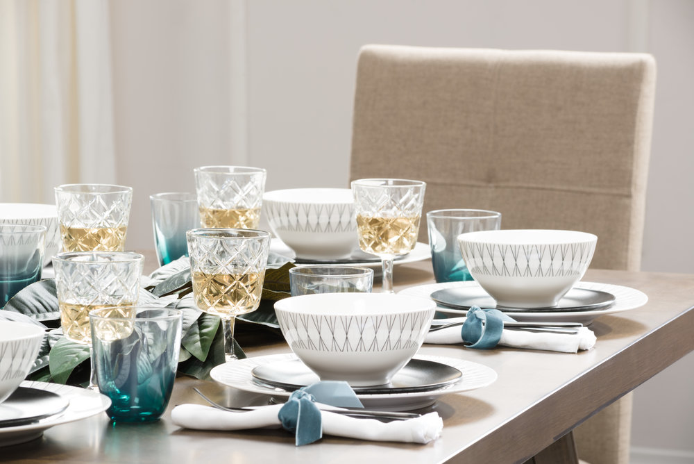 modern table setting
