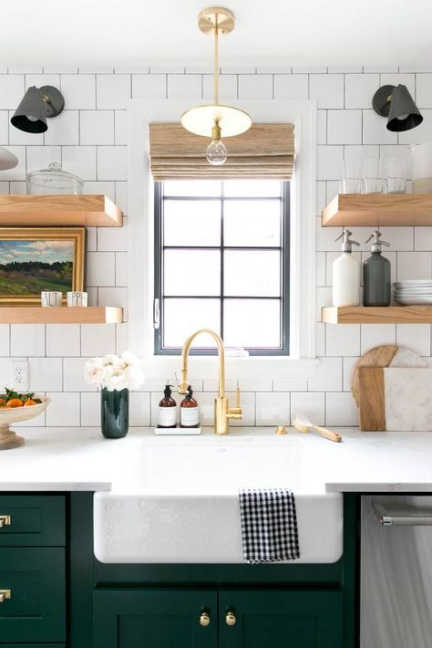 green kitchen, square backsplash