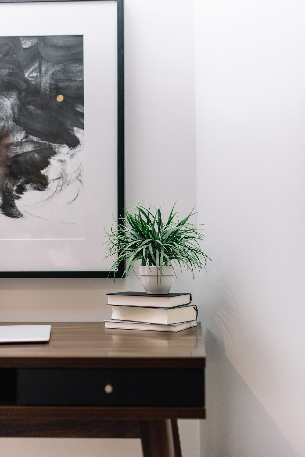minimalist masculine office nook